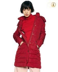 Roter Desigual Wintermantel für Damen, gesteppt und gepolstert, rot.
