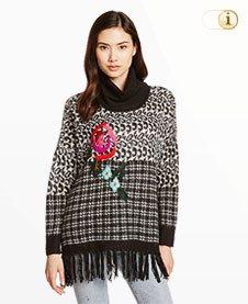 Grauer Desigual Pullover Ari mit Blume und Fransen, grau.
