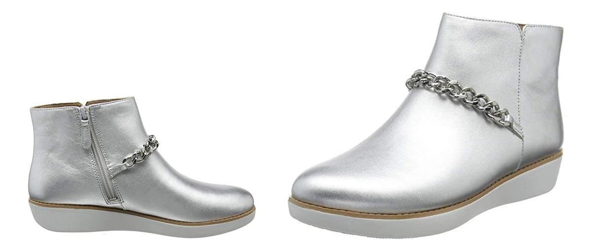 Weiße Fitflop Pia Stiefeletten mit stabiler Kette verziert, silber/weiß.